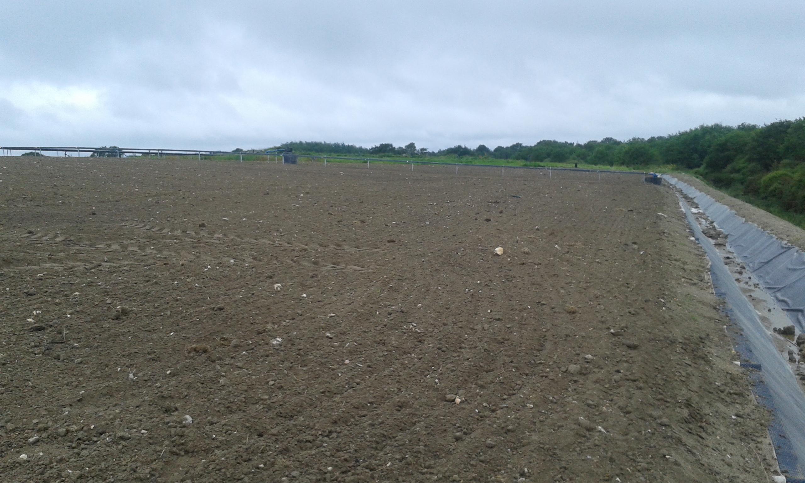 Fermeture : Mise en place de terre végétale